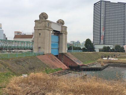 River_gate